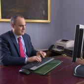 """Los abogados de turno de oficio exigen mejorar sus condiciones laborales: """"Te pagan hasta con un año de retraso"""""""