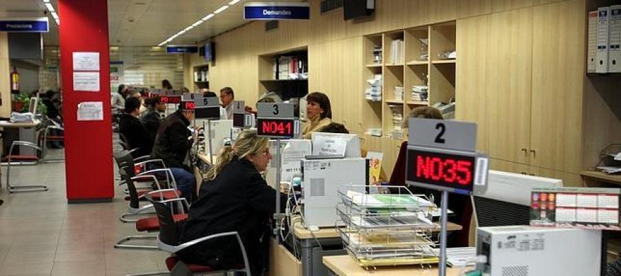 ondacero radio cantabria lidera el descenso mensual de ForOficina Empleo Cantabria
