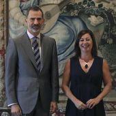 El Rey Felipe VI con Francina Armengol