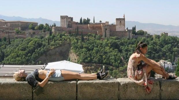 Granada disfruta de una gran acogida de turistas este verano