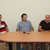 Roberto Barberá, Juan Antonio Asencio 'Maier' y Ángel Mora, en la presentación del Balonmano Elche.