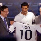 Luis Figo, el día de su presentación con el Real Madrid