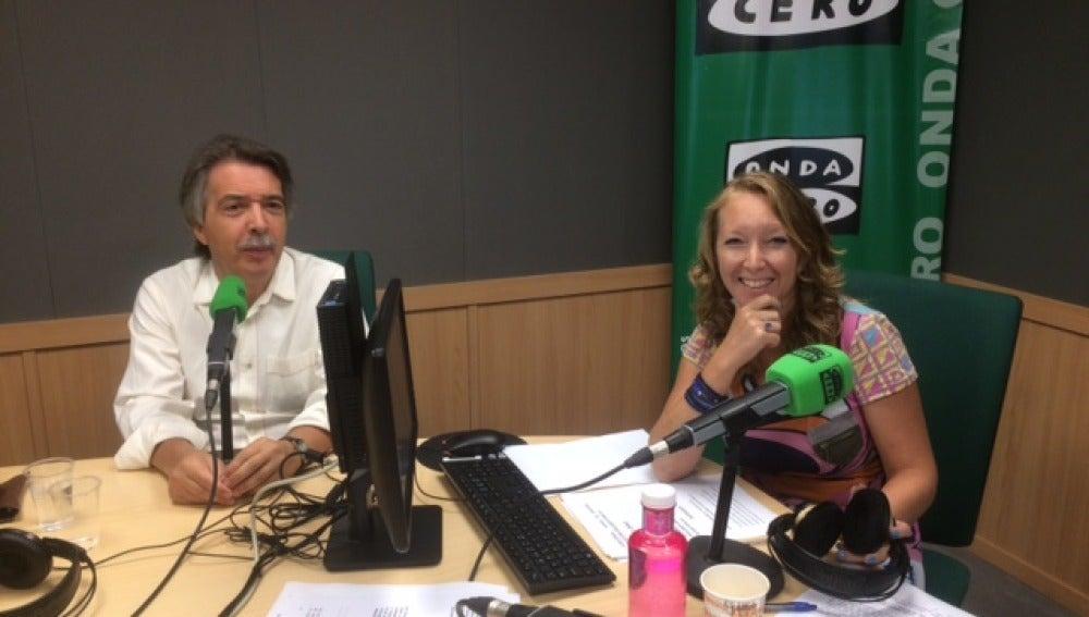 El portavoz de Ciudadanos Baleares, Xavier Pericay, y la directora de ILLES BALEARS EN LA ONDA, Elka Dimitrova