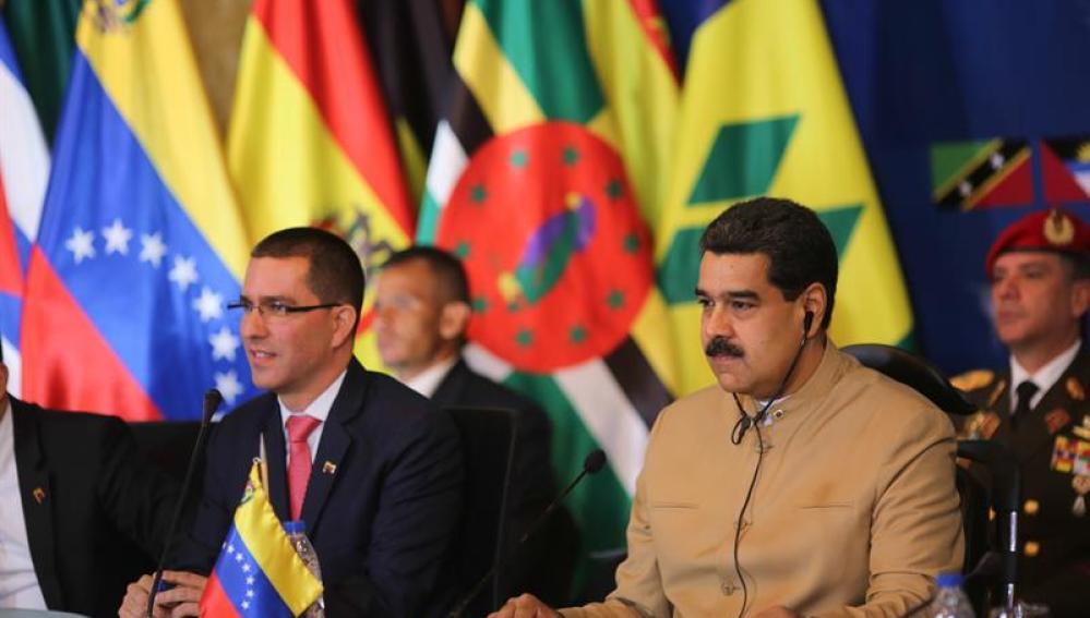 Jorge Arreaza y Nicolás Maduro