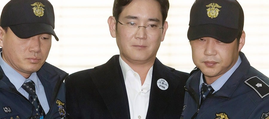 Cinco años de cárcel para el heredero de Samsung por el escándalo de corrupción que tumbó a Park