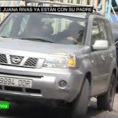 Los hijos de Juana Rivas salen de la comandancia de la Guardia Civil con su padre, Francesco Arcuri