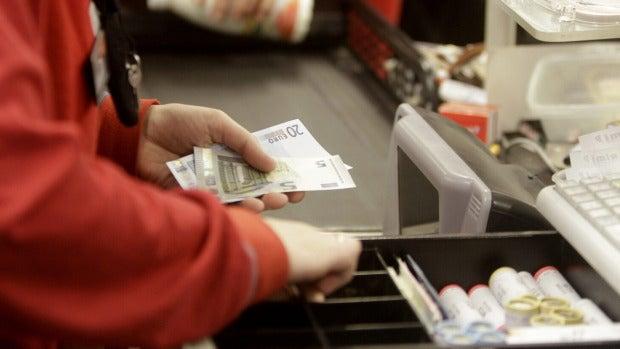 El peso de los salarios en la economía baja del 49 al 47 % en una década