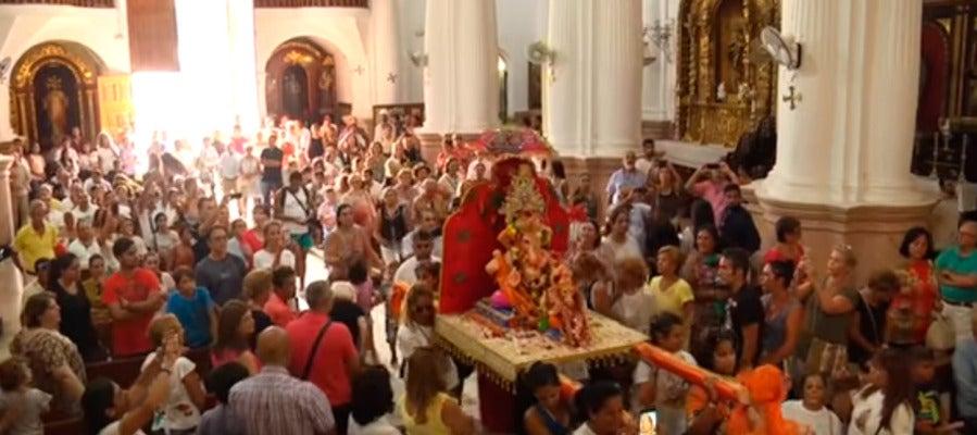 Dimite el vicario de Ceuta por permitir entrar una deidad hindú en el Santuario de la Virgen de África