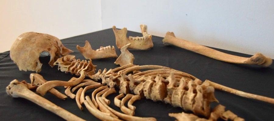 Restos humanos encontrados en la excavación