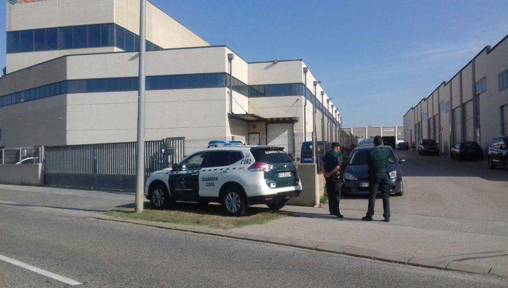 La Guardia Civil vigila la imprenta de Tarragona