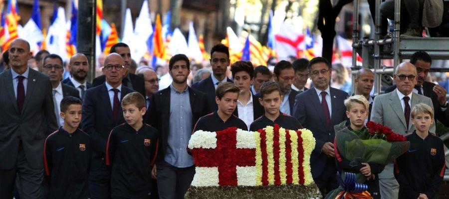 El Barça, en la ofrenda floral al monumento a Rafael Casanova por la Diada