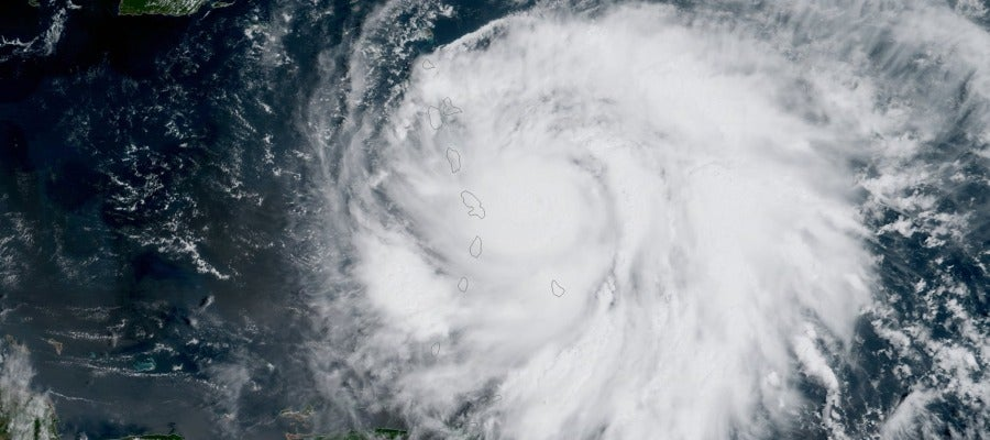 Una imagen capturada por el satélite GOES-16 de NOAA del huracán 'María'