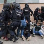 Altercados entre los antidisturbios y los manifestantes