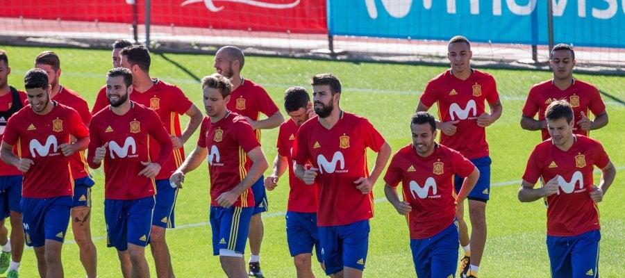 Los jugadores de la selección española se ejercitan en Las Rozas