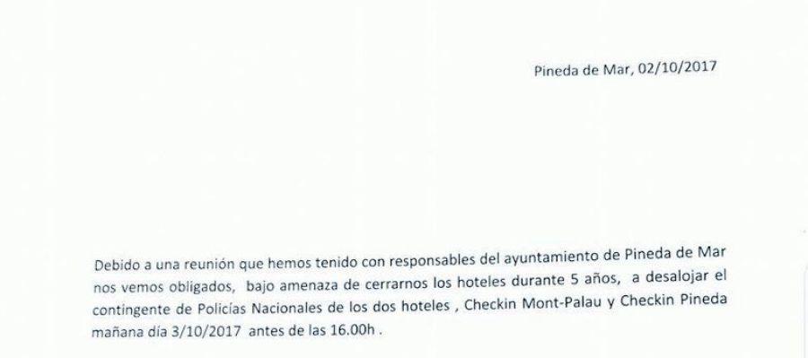 Carta del gerente de dos hoteles de Pineda a la Policía informando del desalojo