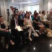 De izquierda a derecha: la consellera de Asuntos Sociales, Fina Santiago, el presidente de la FOAPS, Andrés Ramos, la Presidenta del Govern, Francina Armengol y la Presidenta del Consejo Territorial de la ONCE en Baleares, Carmen Soler