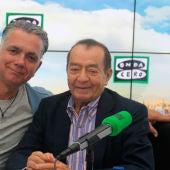 El fotógrafo Juan Chávez durante una entrevista con Juan Ramón Lucas en Más de uno