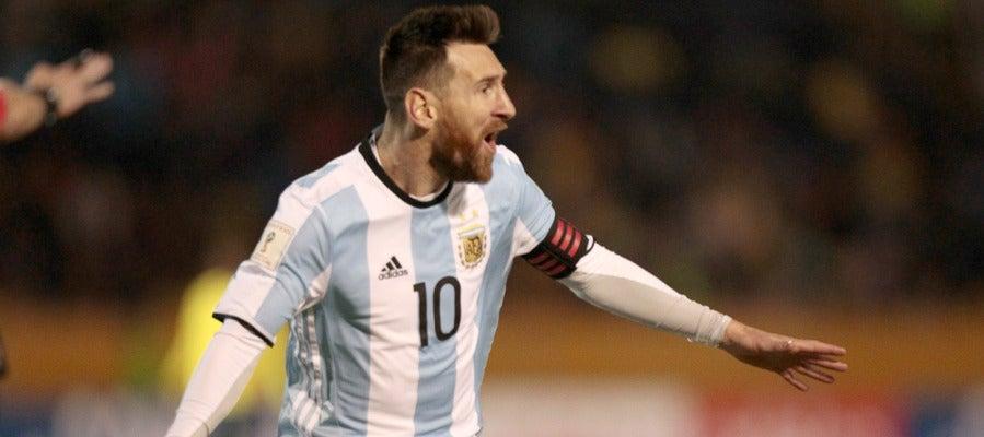 Leo Messi en el partido de Argentina contra Ecuador