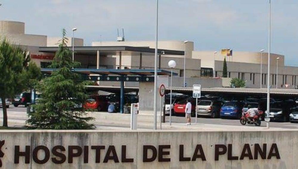 Hospital La Plana de Vila-real donde se encuentra aislado el afectado.