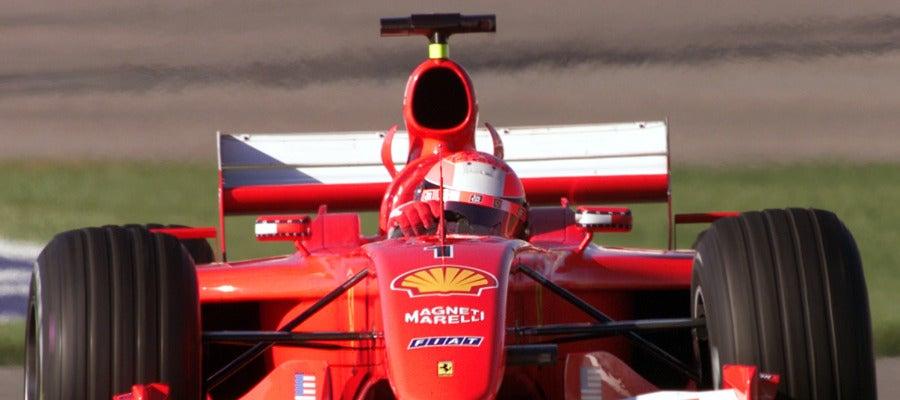 Michael Schumacher, conduciendo el Ferrari F2001