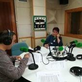 La alcaldesa Calara Luquero en los estudios de Onda Cero Segovia