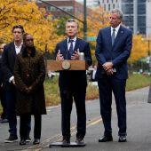 El presidente de Argentina, Mauricio Macri, habla en presencia del alcalde de Nueva York, Bill de Blasio
