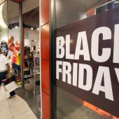 Un comercio celebra el Black Friday