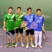 De izquierda a derecha, los jugadores de los equipos de Sax y Elche: Raúl Moreno, Francisco Pérez, David García y Carlos Berna.