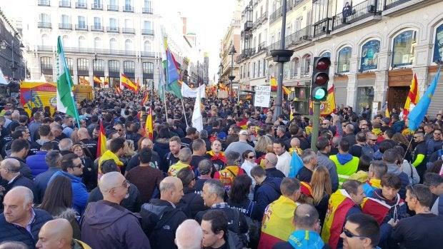 Miles de agentes de seguridad del Estado pidiendo la equiparación salarial