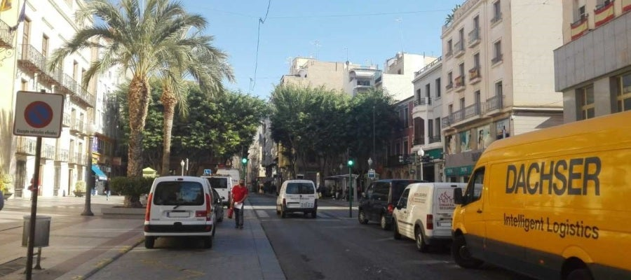 Calle Corredora en su inicio del la Plaça de Baix de Elche