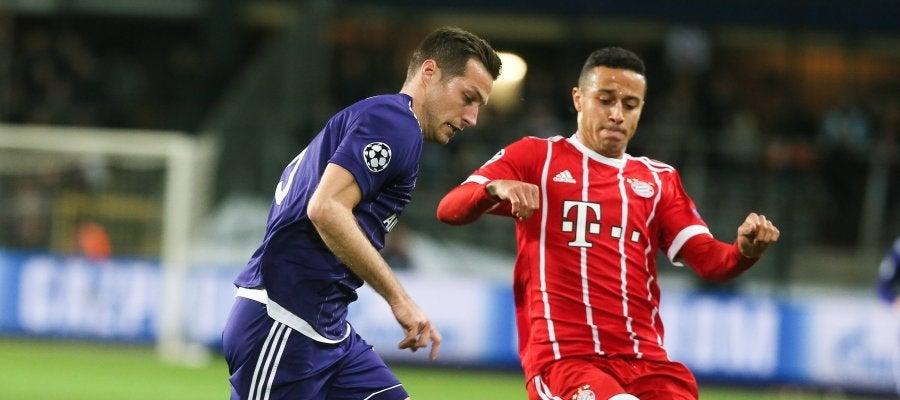 Thiago Alcántara en el partido contra el Anderlecht