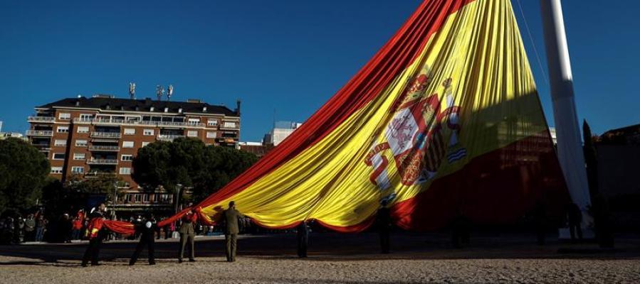 La bandera de España en Colón