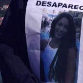 Un cartel con la imagen de Diana Quer durante su búsqueda en agosto de 2016