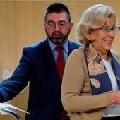 Carlos Sánchez Mato con Manuela Carmena