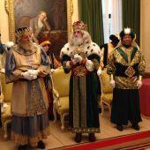 SSMM Los Reyes Magos en el salón de recepciones