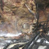 Estado del recinto de las jirafas tras ser devastado por las llamas