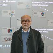 El profesor Javier Tejada