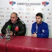 El entrenador de la Gimnástica Segoviana y Manu en rueda de prensa