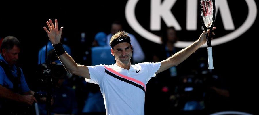 Federer celebra su victoria ante Marton Fucsovics