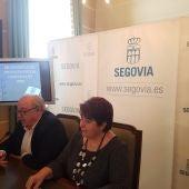 La alcaldesa Clara Luquero y el concejal de Hacienda, Alfonso Reguera, presentan los Presupuestos 2018 del Ayuntamiento de Segovia