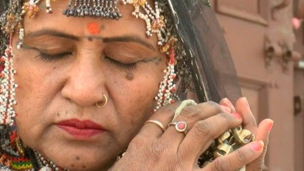 Gulabo, la mujer que consiguió que se dejasen de sacrificar niñas y se convirtió en embajadora de la cultura india