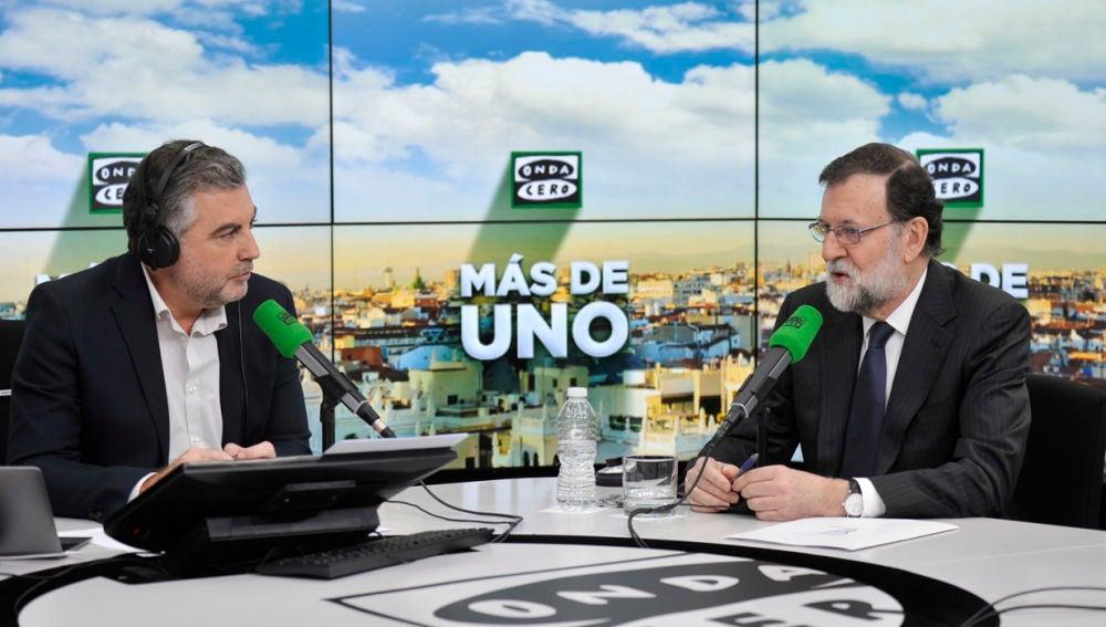 Carlos Alsina entrevista a Mariano Rajoy en Más de uno