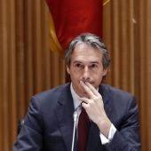 El ministro de Fomento, Íñigo de la Serna, durante su comparecencia