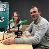 El exconseller de Turismo y diputado de Més per Mallorca, Biel Barceló, con Elka Dimitrova en Mallorca en la Onda.