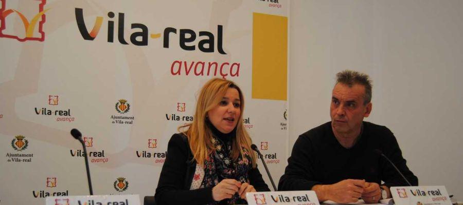 La regidora de Sanitat Silvia Gómez i el responsable de la UPC José Gisbert han presentat el projecte Vila-Jove en Acció.