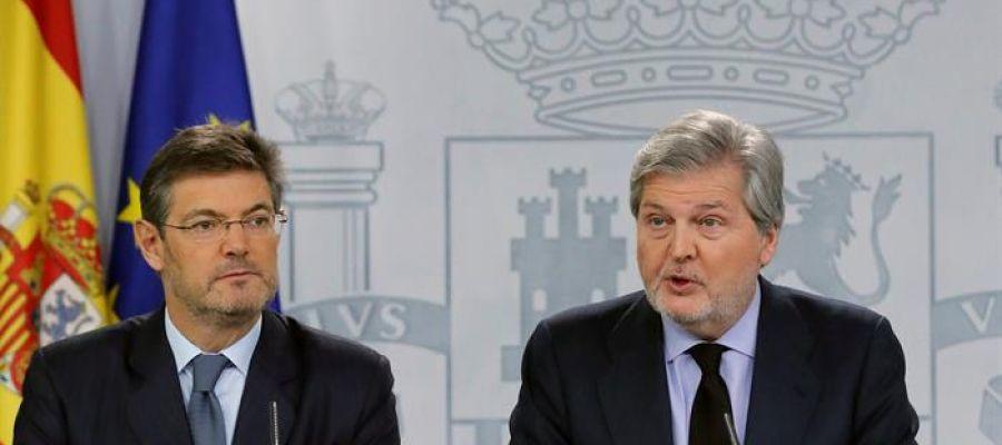 El ministro Rafael Catalá y el ministro portavoz Íñigo Méndez de Vigo