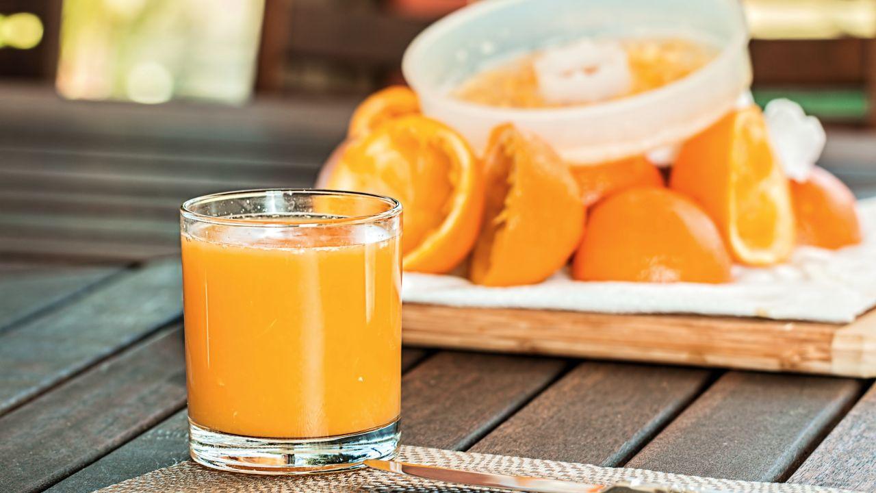 Un estudio relaciona el consumo de bebidas azucaradas y el zumo natural con el c?ncer