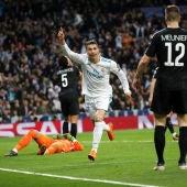Cristiano Ronaldo celebra un gol ante el PSG
