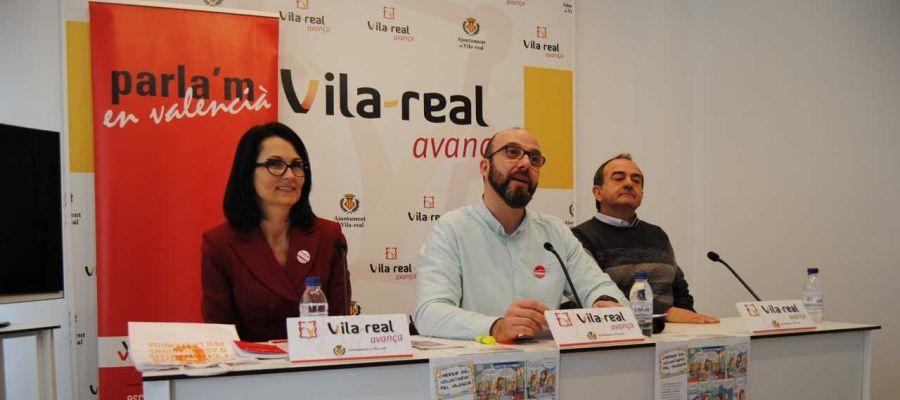El regidor de Normalització Lingüística Santi Cortells ha presentat la vintena edició del Voluntariat pel Valencià amb l´assocciació Cultural Socarrats.