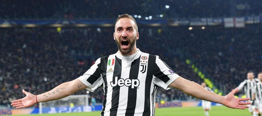 Gonzalo Higuaín celebra uno de sus goles con la Juventus